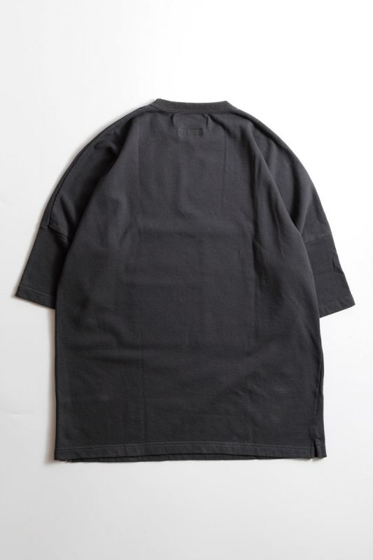 PATCHWORK POCKET WIDE TEE CHARCOAL